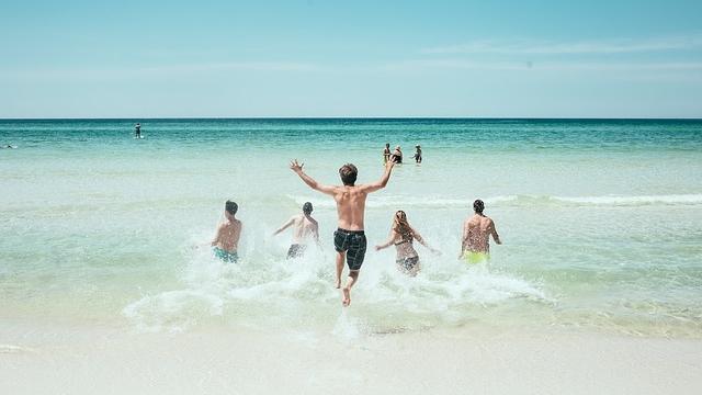 beach-1836467_640-crop